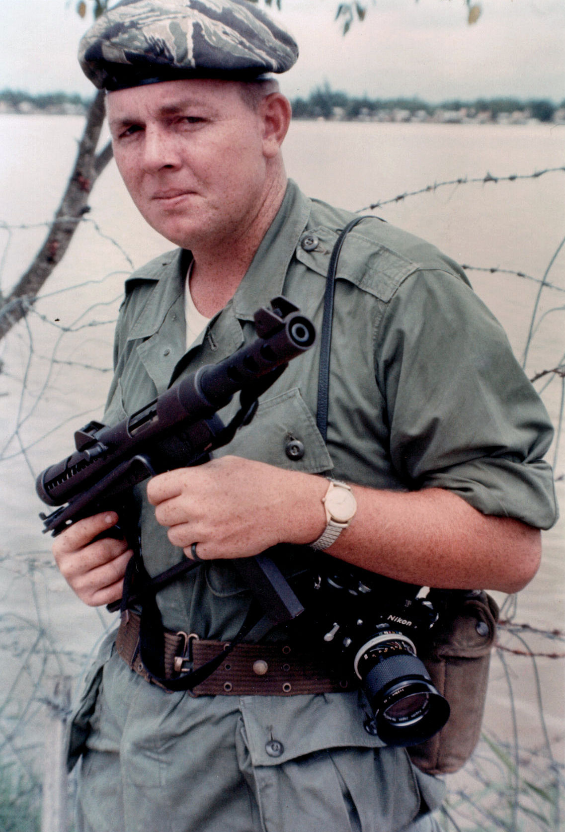 1 Storied War Reporter Joseph Galloway in Vietnam